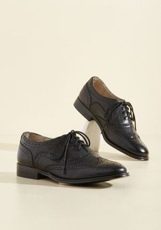 Talking Picture Oxford Flat in Black