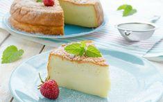 Yumurta, beyaz çikolata ve labne peyniri. Sufle yumuşaklığında, pamuk gibi kabaran üç malzemeli cheesecake tarifini hazırlamak bu kadar kolay.