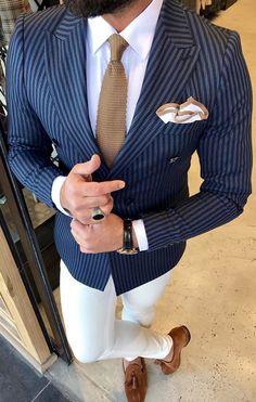 Suit , blazers for men Best Suits For Men, Cool Suits, Mens Fashion Suits, Mens Suits, Trunks Underwear, Men's Underwear, Stylish Men, Men Casual, Shirt Tucked In
