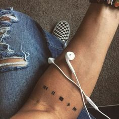 Pause, stop, play, fast forward // rewind. A tattoo to express the importance of music in my life ideen musik Die beliebtesten Artikel in Tattoos Neue Tattoos, Body Art Tattoos, Girl Tattoos, Tattoos For Guys, Tattoos For Women, Tatoos, Feather Tattoos, Small Forearm Tattoos, Forearm Sleeve Tattoos