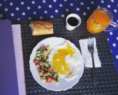 Oggi iniziziamo alla grande! #avocado #pomodorini #noci #food #super #breakfast