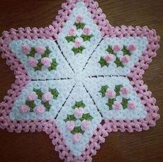 Das hochgelobte Knit Pillow Fibre Making Turkish Video . Stitch Crochet, Filet Crochet, Crochet Motif, Crochet Doilies, Crochet Potholders, Crochet Stitches Patterns, Crochet Squares, Borboleta Crochet, Crochet Table Mat