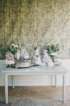 Photography by 2 Brides Photography / 2brides.se, Styling   Floral Design by Blombyr�n Nyfiken Gr�n / nyfikengron.blogspot.se
