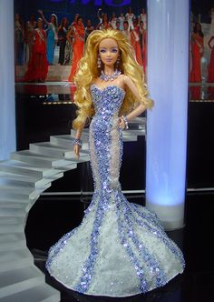 Miss Tennessee 2012  - El estado voluntario, fuerte por sus delegados desfile, envía la sirena más atractivos y sensual en un vestido de noche clásico inspirado por el diseñador Zuhair Murad.