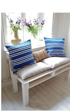 DIY Pallet Sofa Tutorial...YAY!!!