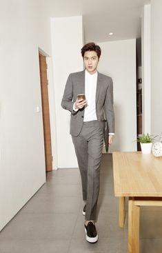 GUY CANDY: 8 photos of Lee Min Ho as the perfect boyfriend for TNGT