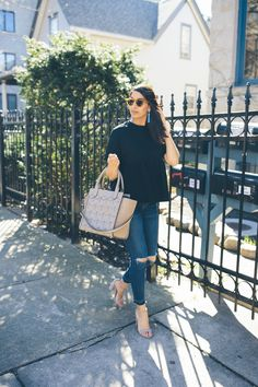 No one loves a good handbag more than me and today I'm sharing all my do's and don't when it comes to handbag buying. What do you all consider?