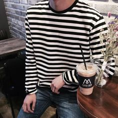 casual wear for men Tomboy Outfits, Fashion Outfits, Fashion Ideas, Korean Fashion, Mens Fashion, Mens Clothing Styles, Grunge Fashion, Striped Tee, Dress To Impress