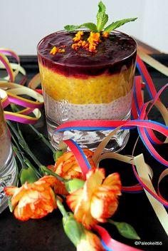 Kolmen kerroksen vappuvanukas *vanilja-kookos-bansku-chia *appelsiini-porkkana-chia *mustaherukka-sitruuna