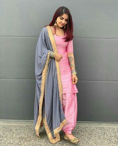 Patiala Suit Designs, Salwar Designs, Kurta Designs Women, Kurti Designs Party Wear, Silk Kurti Designs, Patiala Dress, Patiala Salwar Suits, Salwar Suits Party Wear, Patiala Pants