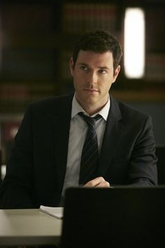 Brendan Hines in Suits Suits Tv Series, Suits Tv Shows, Logan Sanders Suits, Brendan Hines, Suits Season, Imaginary Boyfriend, Man Crush Everyday, Sweeney Todd, Lie To Me