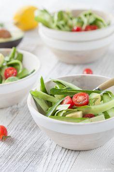 Recipe for paleo and gluten-free zucchini ribbon salad with lemon dill vinaigrette.