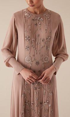 premium & fair trade bespoke & occasion wear brand based in London Abaya Fashion, Muslim Fashion, Fashion Dresses, Naeem Khan Bridal, Arabic Dress, Mode Abaya, Modern Hijab, Abayas, Caftans