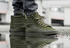 Acheter Korb Vans Neuauflage Reißverschluss Mono Ivy Green (vert oliv) Best Picture For Womens Street Style hip hop For Your Taste You are looking f Vans Sneakers, Vans Boots, Converse Sneaker, Puma Sneaker, Green Sneakers, Sneakers Mode, Sneakers Fashion, Vans Outfit Men, Black Outfit Men