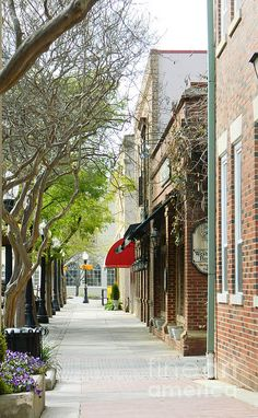 Downtown Aiken South Carolina by Andrea Anderegg #streetphotography #photography