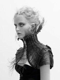"""Simply 'Luja"" by Julia Blank black woven neck piece Fashion Mode, Dark Fashion, Fashion Art, High Fashion, Fashion Design, Ideas Joyería, Look Dark, Neck Piece, Mode Outfits"