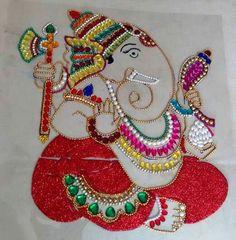 Ganesha Thali Decoration Ideas, Decorations, Diy Flowers, Flower Diy, Acrylic Rangoli, Kundan Jewellery Set, Rangoli Designs Flower, Diwali Craft, Girl Cartoon