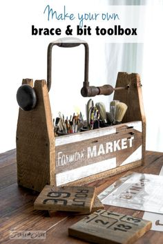 A reclaimed wood drill handled toolbox of many talents Paint brush organizer from a drill handled toolbox with Farmers' Market stencil / funkyJunkinterior… Source by mio Learn Woodworking, Woodworking Projects, Diy Projects, Woodworking Wood, Project Ideas, Funky Junk Interiors, Palette Deco, Reclaimed Wood Projects, Old Tools
