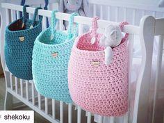 Achei super prática a idéia da colega do ig @shekoku  #inspiration #inspiracao #quartodobebe #roombaby #trapillo #knitting #crochet…