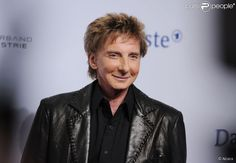 barry manilow 2015 | Barry Manilow arrive pour les 2012 Echo Music Awards à Berlin, le 22 ...