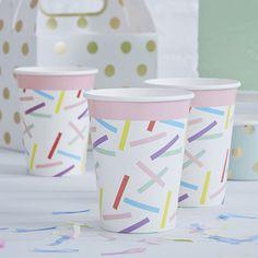 Dale un toque original y llenos de color a tu fiesta de cumpleaños o a la fiesta de tu peque, con estos vasos!! Quedarán genial combinándolos con el resto de la colección!!