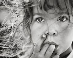 10 Tips for photographing kids from Darren Rowse at the Digital Photography School