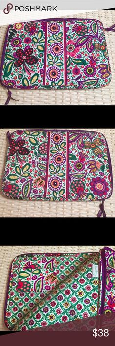 """New Vera Bradley Viva La Vera Laptop Case 17"""" Vera Bradley Laptop sleeve in Viva la Vera measures 12"""" x 17"""" . Padded with lightweight, protective foam. Accommodates a 17"""" MACBOOK PRO* NEW WITHOUT TAG- ended up not using it because my laptop never leaves the house. Retired style and retired pattern. Item's material/design is crisp, stiff, and well made like Vera was back in the day. Please refer to your device's manufacturer's website for your item's measurement specifics! Vera Bradley…"""