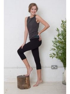 Sleeveless Boatneck With Fitted Bra in Ash Grey.  Yoga and Pilates Clothes. Asquith UK