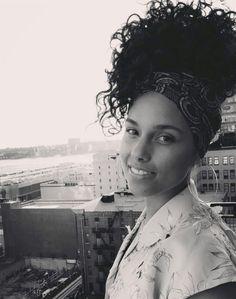 Alicia Keys hair curly high ponytail bandana