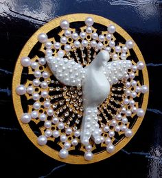 Divino decorado com pérolas e strass.  tamanho: 12,5 x 12,5