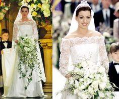 Vestido de noiva da Mia em o Diário da Princesa 2. Modelo com decote ombro a ombro, com manga rendada.