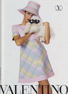Yasmeen Ghauri for Valentino 1992 Valentino Couture, Valentino Garavani, Victoria Secret Catalog, 90s Models, High Fashion, Womens Fashion, Editorial Fashion, Supermodels, Glamour