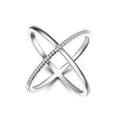 Bague fine croix tendance en argent 925 sertie zirconium. Matériaux: argent, zirconium. Disponible en taille S, taille M, taille L