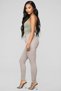 Jazzy I Skinny Pants - Grey Mid Rise Skinny Jeans, Skinny Pants, Long Hair Drawing, Beautiful Outfits, Cute Outfits, Drawing Guide, Figure Poses, Figure Reference, Fashion Nova Models