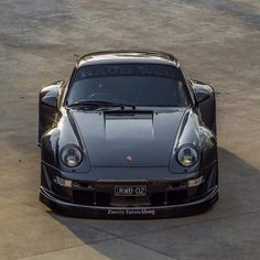 Rhubarbes 911  Travel In Style | #MichaelLouis - www.MichaelLouis.com