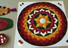 10 Great Onam Pookalam Designs That You Should Try in 2019 - Simple Rangoli Designs Rangoli Designs Flower, Rangoli Border Designs, Small Rangoli Design, Rangoli Patterns, Colorful Rangoli Designs, Rangoli Ideas, Rangoli Designs Images, Rangoli Designs Diwali, Flower Rangoli
