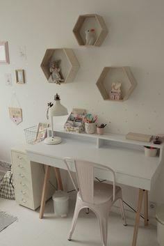 biurko dla dziecka Kids Bedroom, Bedroom Decor, Cool Dorm Rooms, Boho Room, Little Girl Rooms, Kidsroom, My Room, Corner Desk, Diy Home Decor