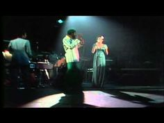 Marvin Gaye - Ain't No Mountain High Enough (Greatest Hits. Live In '76) - YouTube