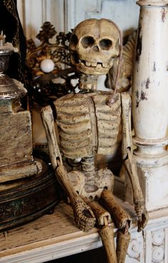 Marionette skeleton 19th c carved wood full jointed representing death. Include the original sprint to open his spring activated lower jaw