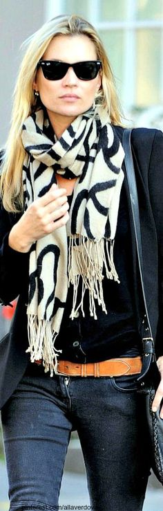coat jeans with scarf and handbag➰