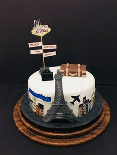 Exclusive Photo of Birthday Cake Travel . 30th Birthday Cake For Women, Birthday Cake With Photo, 18th Birthday Cake, Paris Themed Cakes, Themed Wedding Cakes, Bon Voyage Cake, Bolo Paris, Globe Cake, Suitcase Cake