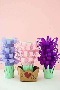 Paper Tissue Hyacinth Flower Pots. Cute #papercraft #paperflower craft for #mothersday #spring #fower #mothersdaygift #kidscraft #kidsart