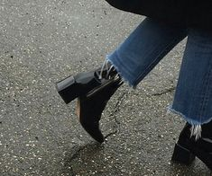 Are you looking for ladies shoes and boots? Shoes For Girls. Look Fashion, Fashion Shoes, Winter Fashion, Fashion Outfits, Womens Fashion, Fashion Tips, Fashion Hacks, Fashion Art, Vintage Fashion
