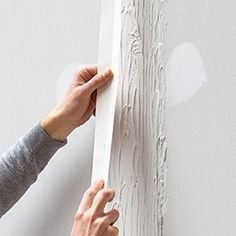 appliquer la bande à joint entre les plaques de plâtre Diy And Crafts, Treehouse, Dressings, Plasterboard, Do It Yourself Crafts, Diy Crafts, Tree Houses