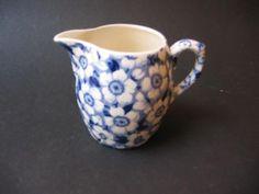 Soc.Ceramique BLOSSOM melkkannetje hoogte 8,5 cm.