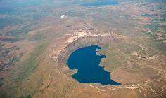 Dünyanın en büyük ikinci krater gölü olan Nemrut Krater Gölü'nde, Bitlis Eren Üniversitesi'nin hazırladığı 'Uluslararası Jeopark Projesi' kapsamında çalışmalara başlandı. Detaylar ajanimo.com'da.. #ajanimo #ajanbrian