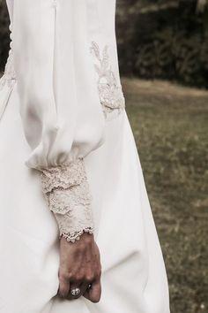 @minimalmaxx Hijab Fashion, Fashion Dresses, Fashion Fashion, Fashion Tips, Bridal Gowns, Wedding Gowns, Fashion Vestidos, Sleeves Designs For Dresses, Fashion Details