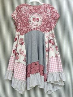 English Garden Pink Gingham Flannel and Pink Roses LagenLook Dress Shabby Chic Patchwork Floral Print French Country Girl Romantic English Garden tunic Adorable with Line. Sewing Clothes, Diy Clothes, Refashioned Clothes, Upcycled Clothing, Boho Outfits, Vintage Outfits, Boho Chic, Shabby Chic, Altered Couture
