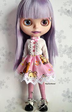 Vestido para muñeca Blythe con el osito Rilakkuma de RopitasKawaii en Etsy