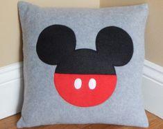 Cojín Minnie Mouse por My3SillyMonkeys en Etsy